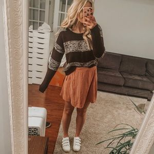 TAKE OUT BROWN SWEATER